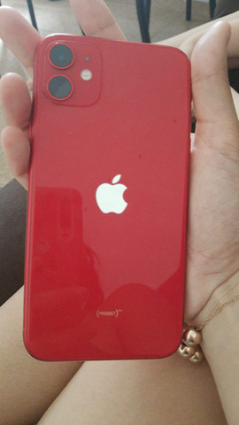 Vendo IPhone 11 vermelho - Foto 3