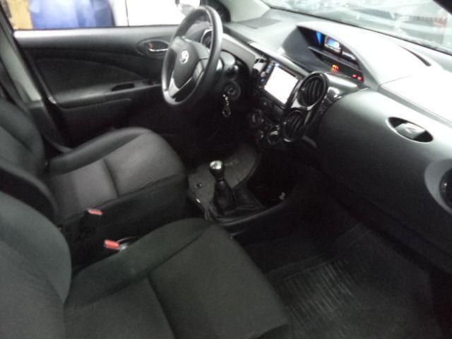 Toyota Etios Sedan 1.5X Flex Completo 2017 Cinza - Foto 9