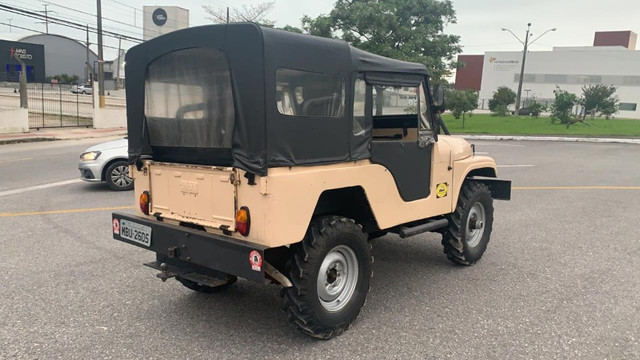 Willys Jeep - 1965 2.6 6 cilindros - Foto 4