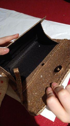 Vendo está linda bolsa de mão  - Foto 4