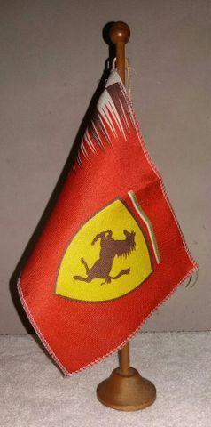 Ferrari (Livro 1998) + bandeiras - para colecionador e amante da marca - Foto 5