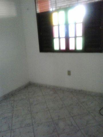 Alugo: 550,00 / Não tem garagem  - Foto 4