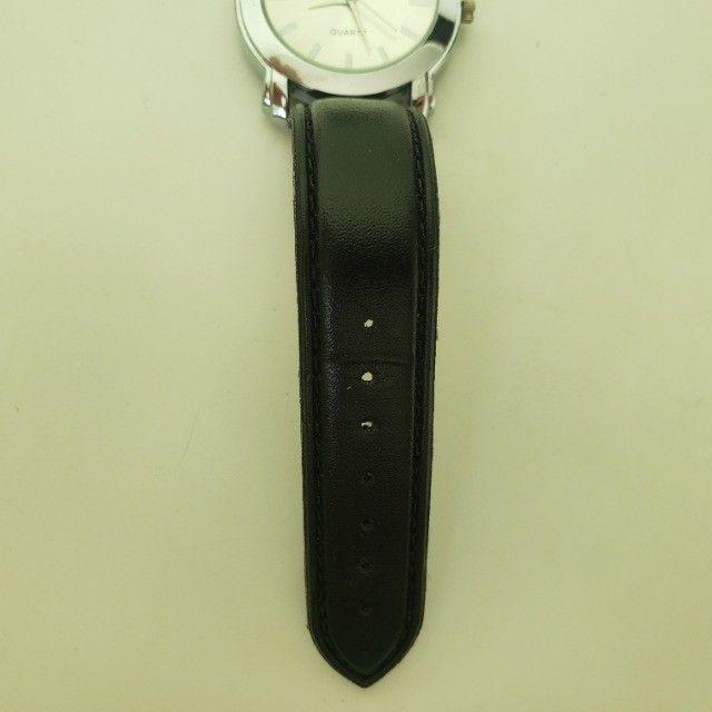 Relógio Analógico Quartz Prata Pulseira Preta - Foto 4