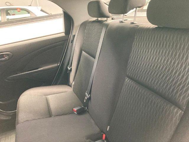 Toyota -Etios Sedan 1.5 X Flex-Automatico- 2018 - Foto 4