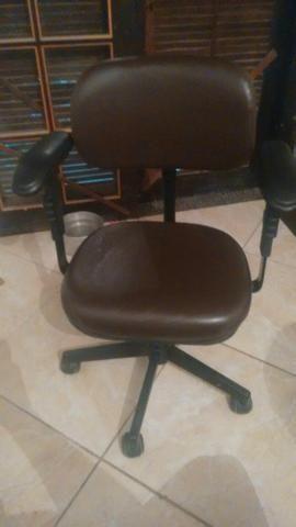Vendo cadeira de escritorio barato !!!
