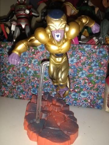 Boneco estátua dragon ball super Gold Freeza