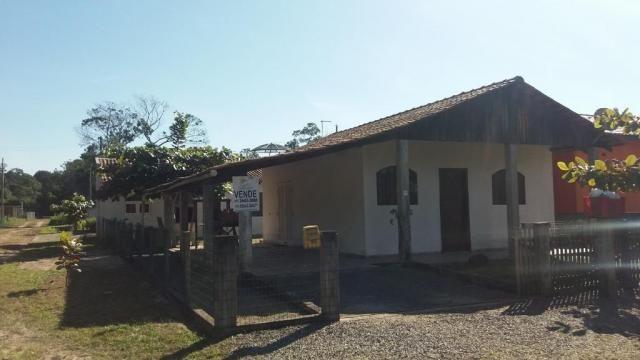 Boa casa de alvenaria em itapoá, aproximadamente 1.100 metros da praia, total de 108 m2 co - Foto 3