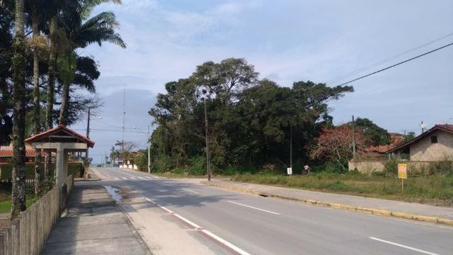 Terreno em Itapoá no asfalto, esquina, próximo a praia, comercial e residencial