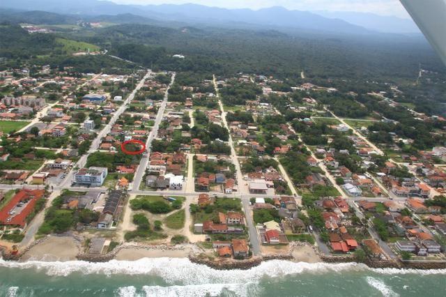 Terreno em Itapoá no asfalto, esquina, próximo a praia, comercial e residencial - Foto 2