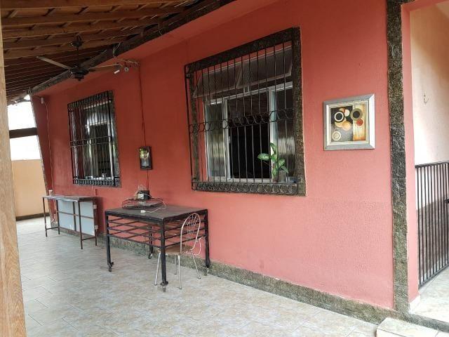Otima casa linear de frente com 3 quartos 6 vagas aceito permuta - Foto 2