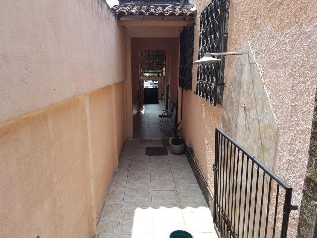 Otima casa linear de frente com 3 quartos 6 vagas aceito permuta - Foto 6