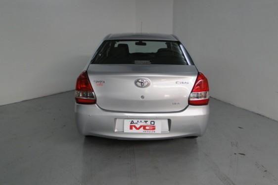 Etios Sedan X 1.5 Flex 16V 4P - Foto 5