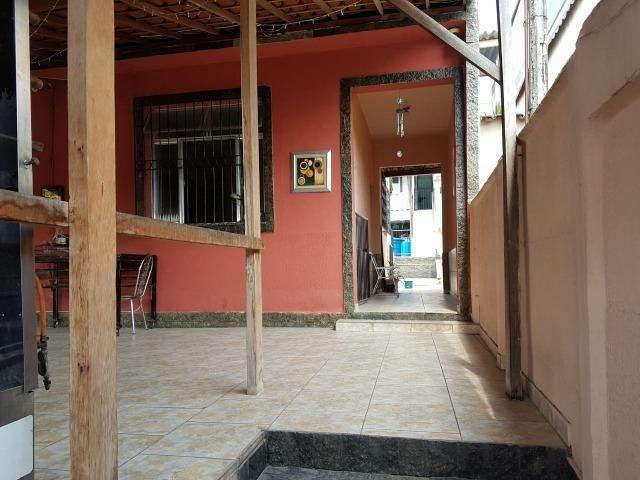 Otima casa linear de frente com 3 quartos 6 vagas aceito permuta - Foto 9