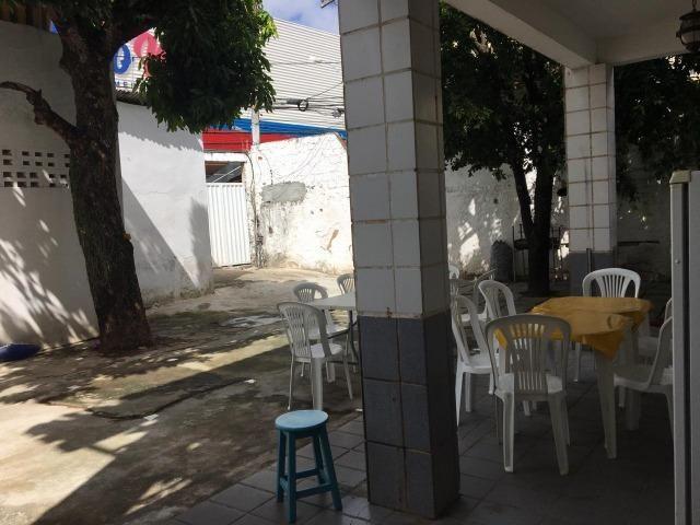 Casa em Buraquinho para fins comerciais - Foto 4