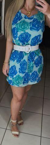 Vestido em crepe forrado com estampa com rosas azuis, belissimo! Tam M