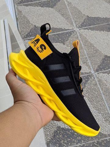 Tênis Adidas Yeeze Novo Vários Modelos - Foto 2