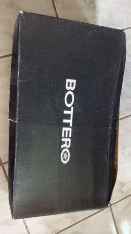 Bota de couro, pouco usada TAM. 37 - Foto 3