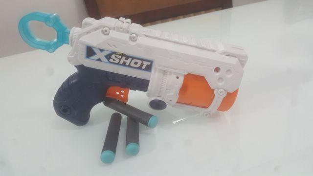 Nerf X-Shot com mais 3 dardos de espuma de brinde - Foto 3