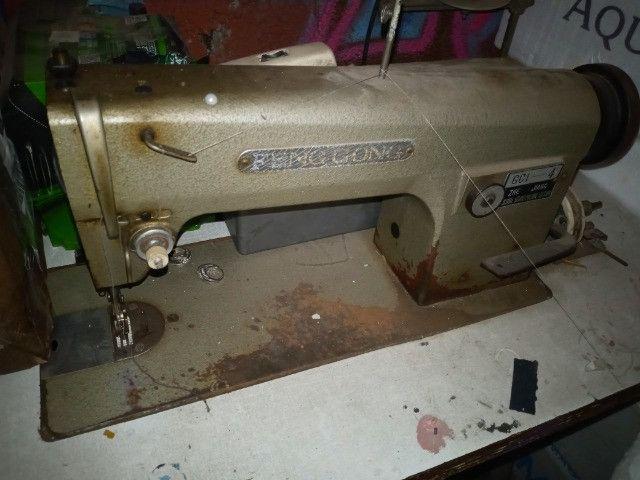 Maquina de costura reta industrial feng gong funcionando bem - Foto 2
