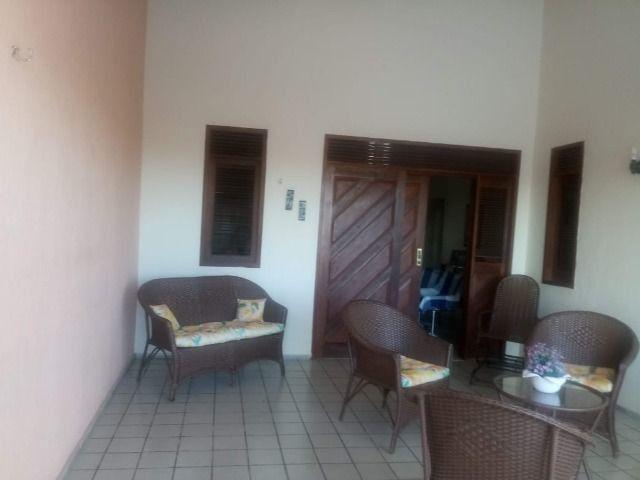 Casa espaçosa e mobiliada em Capim Macio com 3 quartos - Foto 2