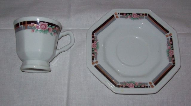 Jogo de café em porcelana Schmidt para 6 pessoas - octogonal - Foto 3