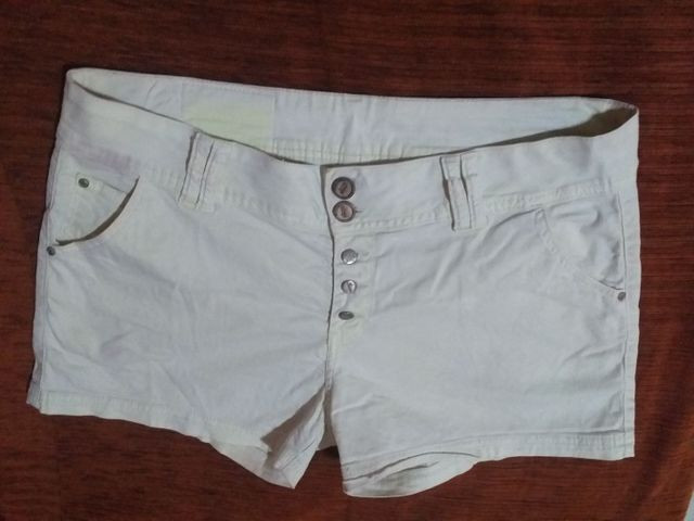 Short branco Tam 44