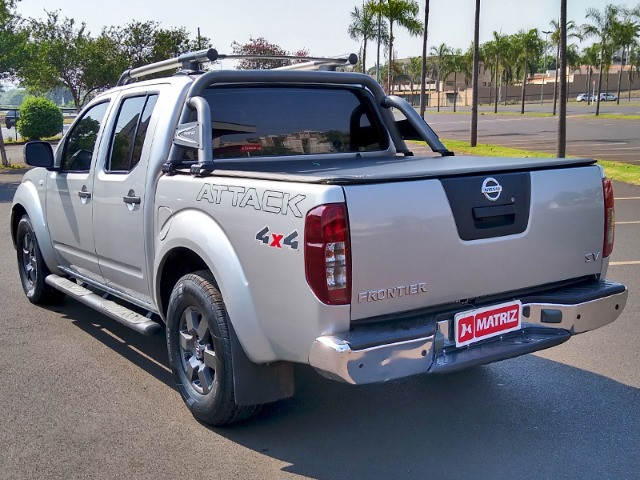 Nissan Frontier SV Attack 2.5 4x4 2016 - Foto 2