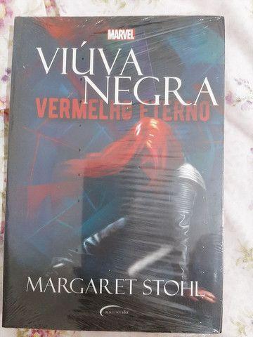 Livro viúva negra MARVEL