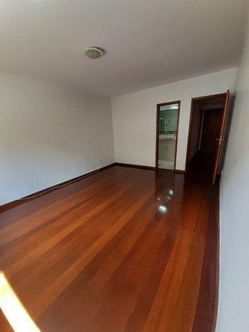 Apartamento com 180m², o melhor 3 quartos de Friburgo, no centro em rua nobre - Foto 4