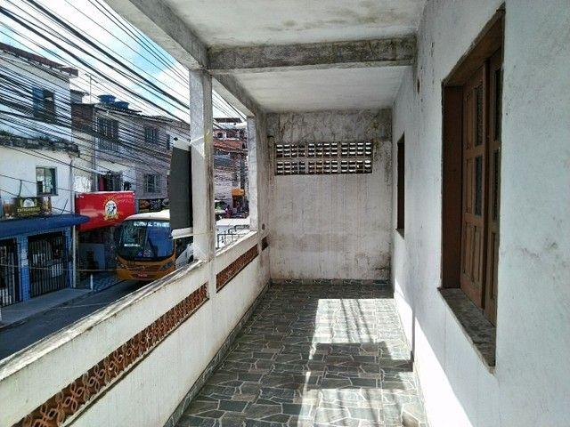 Casa antiga 1° andar em Itapuã, frente de rua 2/4 R$115.000,00 - Foto 3