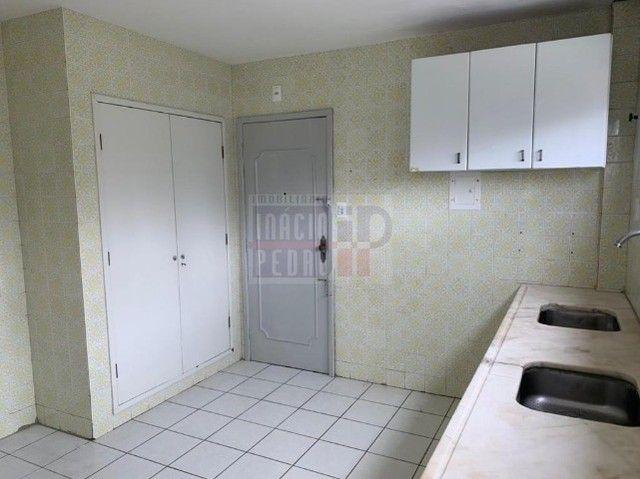 [A31423] Apartamento com Sala Ampla, 3 Quartos sendo 1 Suíte. Em Boa Viagem !! - Foto 13