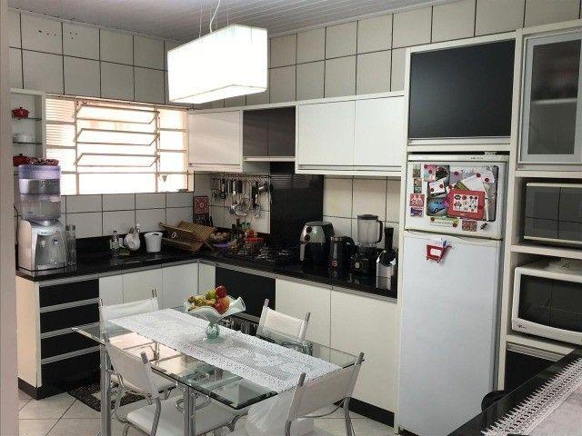 Excelente casa em Tubarão/SC, em  ótima localização - Foto 4