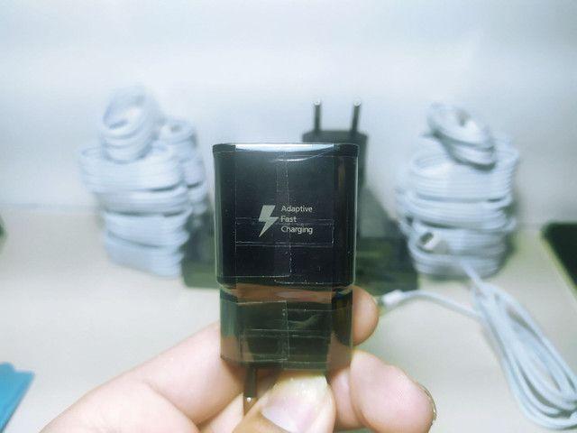 Leia o anúncio Fonte Samsung carga rápida + cabo branco tipo C  - Foto 2