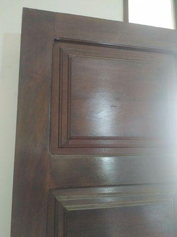 Porta antiga em madeira
