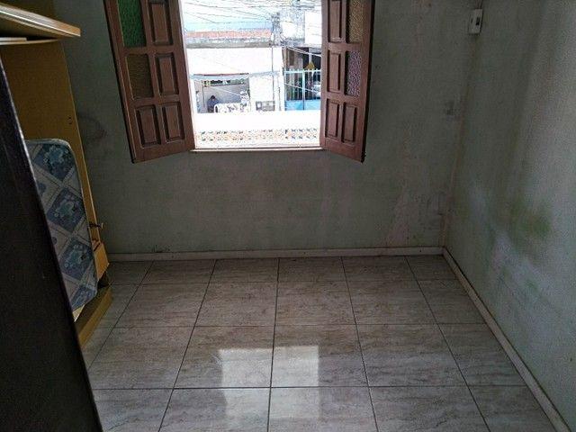 Casa antiga 1° andar em Itapuã, frente de rua 2/4 R$115.000,00 - Foto 9