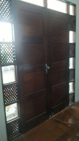 Porta antiga em madeira - Foto 5