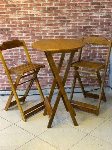 Mesa de madeira com cadeiras para seu bar, jogos de mesas. Conjunto de mesa  - Foto 5