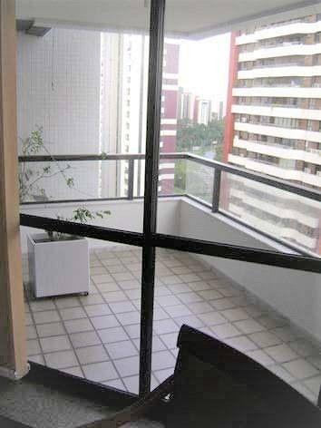 Apartamento para aluguel com 174 metros quadrados com 4 quartos em Candeal - Salvador - BA