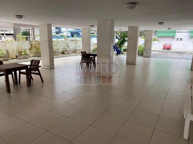 [A31423] Apartamento com Sala Ampla, 3 Quartos sendo 1 Suíte. Em Boa Viagem !! - Foto 3