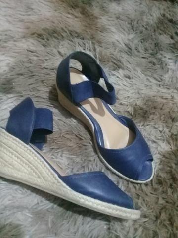 Vendo Sandálias tamanho39 semi nova
