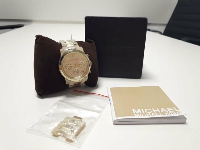 Relógio Michael Kors Madreperola