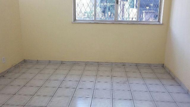 Apartamento no Grajaú, ótima localização, 2 quartos com dependências