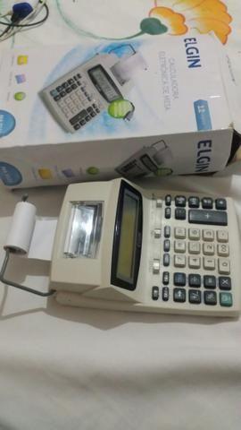 Cauculadora eletrônica de mesa