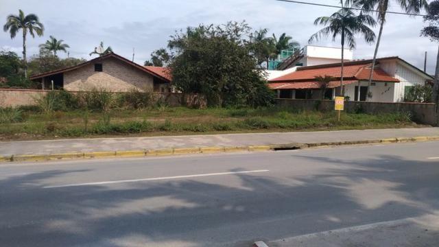 Terreno em Itapoá no asfalto, esquina, próximo a praia, comercial e residencial - Foto 5