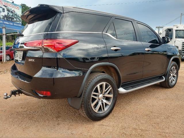 Toyota SW4 SRV 4X4 7 Lugares - Foto 4