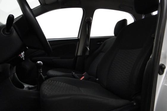 Etios Sedan X 1.5 Flex 16V 4P - Foto 9