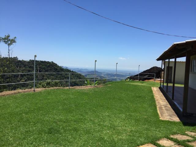 Sítio com vista para o litoral entre Fundão e Santa Teresa com casa nova - Foto 13
