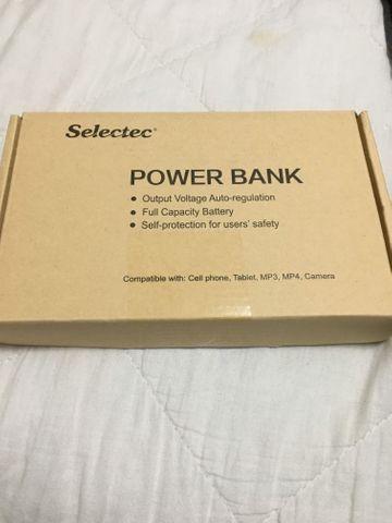 PowerBank (bateria auxiliar) para celular e notebook na caixa - marca SELECTEC 24000mA