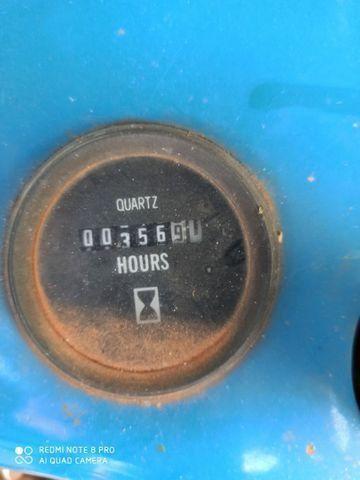 Trator Ford 5030 com barras para pulverizar  - Foto 5