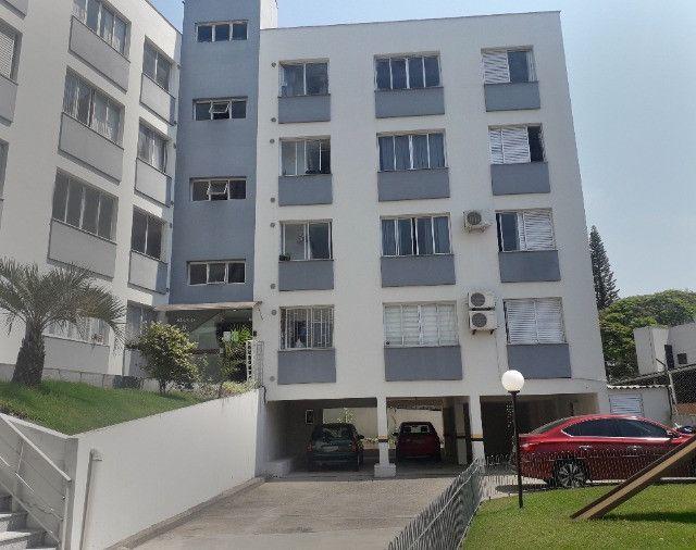Aluguel de apartamento semimobiliado 1 dormitório com garagem bem localizado na Trindade - Foto 9